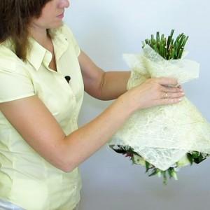 Упаковка букета цветов в фетр-сизаль